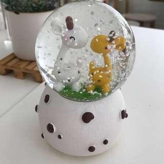 Giraffes Snow Globe LED Lights Crystal Ball