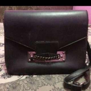 NEGO Something Borrow sling bag