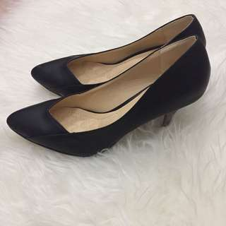 Berrybenka Black Heels
