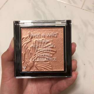 Wet N Wild Megaglo Highlighting Powder in Crown of My Canopy
