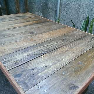 Bench or center table