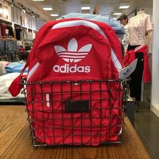 🚚 Adidas女版小後背
