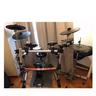 Yamaha Electric Drumset DTXPRESS IV