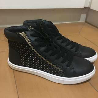Steve Madden Black Zip-up Sneakers