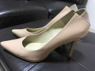 Almost New Heatwave Nude Heels