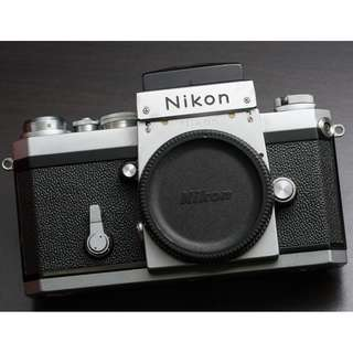 Nikon F with waist level finder