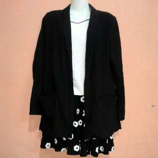 H&M Black blazer.