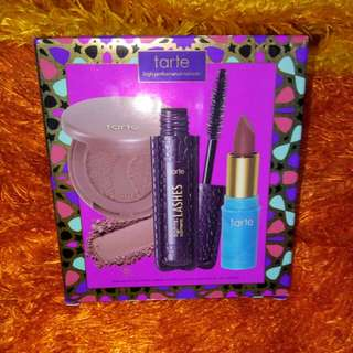 Tarte High-performance Naturals™      Color set.. (Lipstick Blush Mascara)