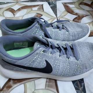Nike flyknit lunarlon