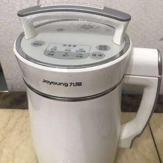 售九陽豆漿機 (港版) $400 ;  型號: DJ13C-D08D(HK)