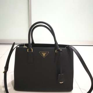 (Brand New & Authentic) Prada Saffiano Leather Tote