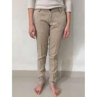 Celana Khaki