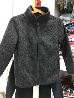 Uniqlo jacket for boy 4-5 years old