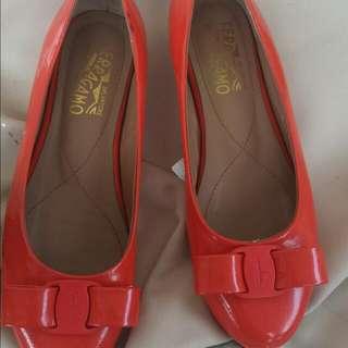 Ferragamo Size 37