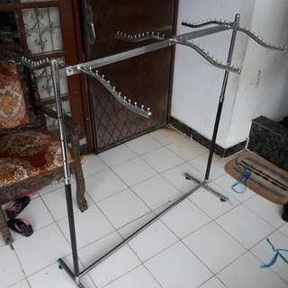 Gawang / hanger / gantungan