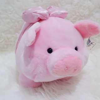 Boneka babi jumbo