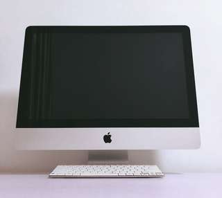 "iMac 21.5"" mid 2010 + Rapoo wireless ultra-slim keyboard"