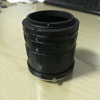 Macro lens extender for canon