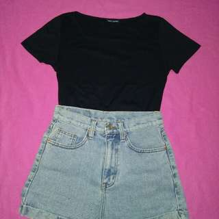 Plain black shirt and highwaist shorts