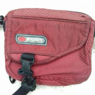 Tas Eiger merah woman series