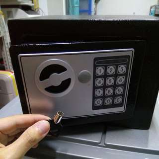 Digital Safe Box with Key