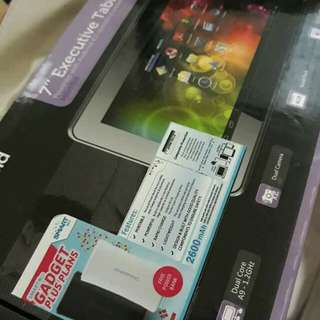 3in1 polaroid Tablet with cellphone and powerbank