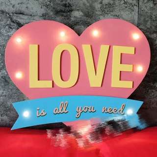 Love is all you need LED decor