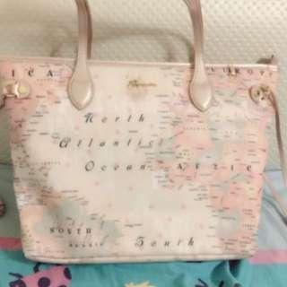 淡粉紅色地圖手袋🦄