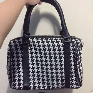 Houndstooth fabric bag