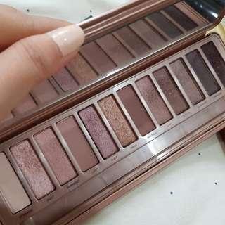 Naked 3 eyeshadow palette