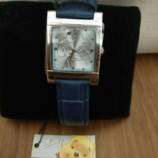BRAND NEW AND NEVER WORN! Official Disney Licensed Winnie the Pooh Watch