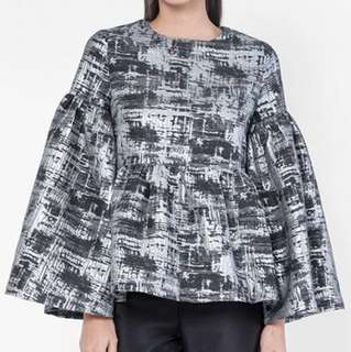 LEVANA JACQUARD PUFFY TOP IN BLACK SILVER