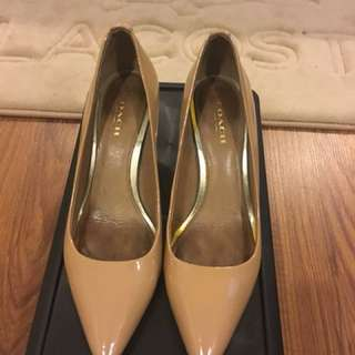 Coach nude shoes size 5.5