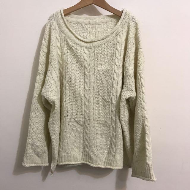 米色麻花編織毛衣