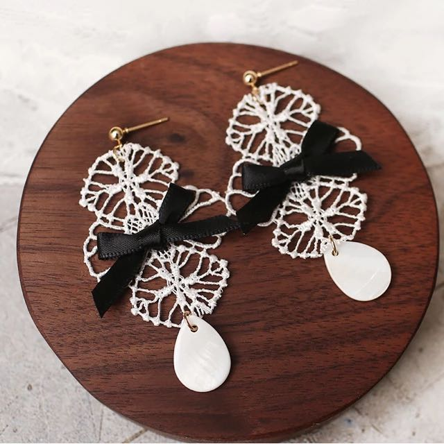 韓 氣質款 蕾絲 耳環 預購