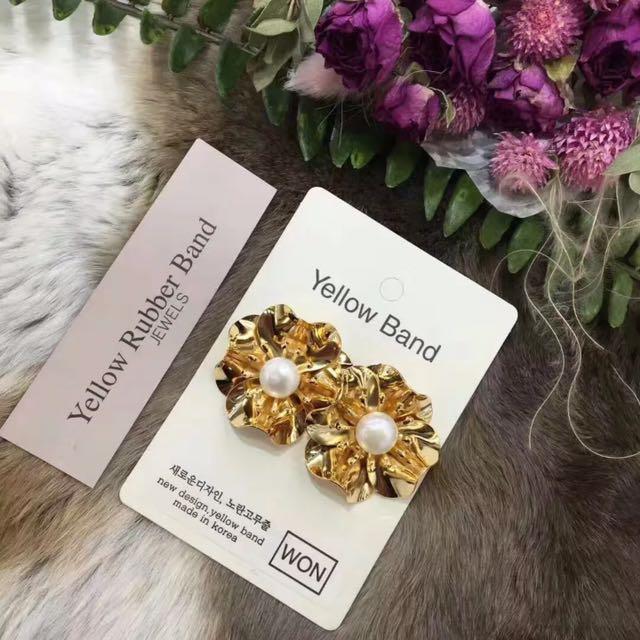 正韓 金色 花瓣 花朵 珍珠 裝飾 耳環 預購