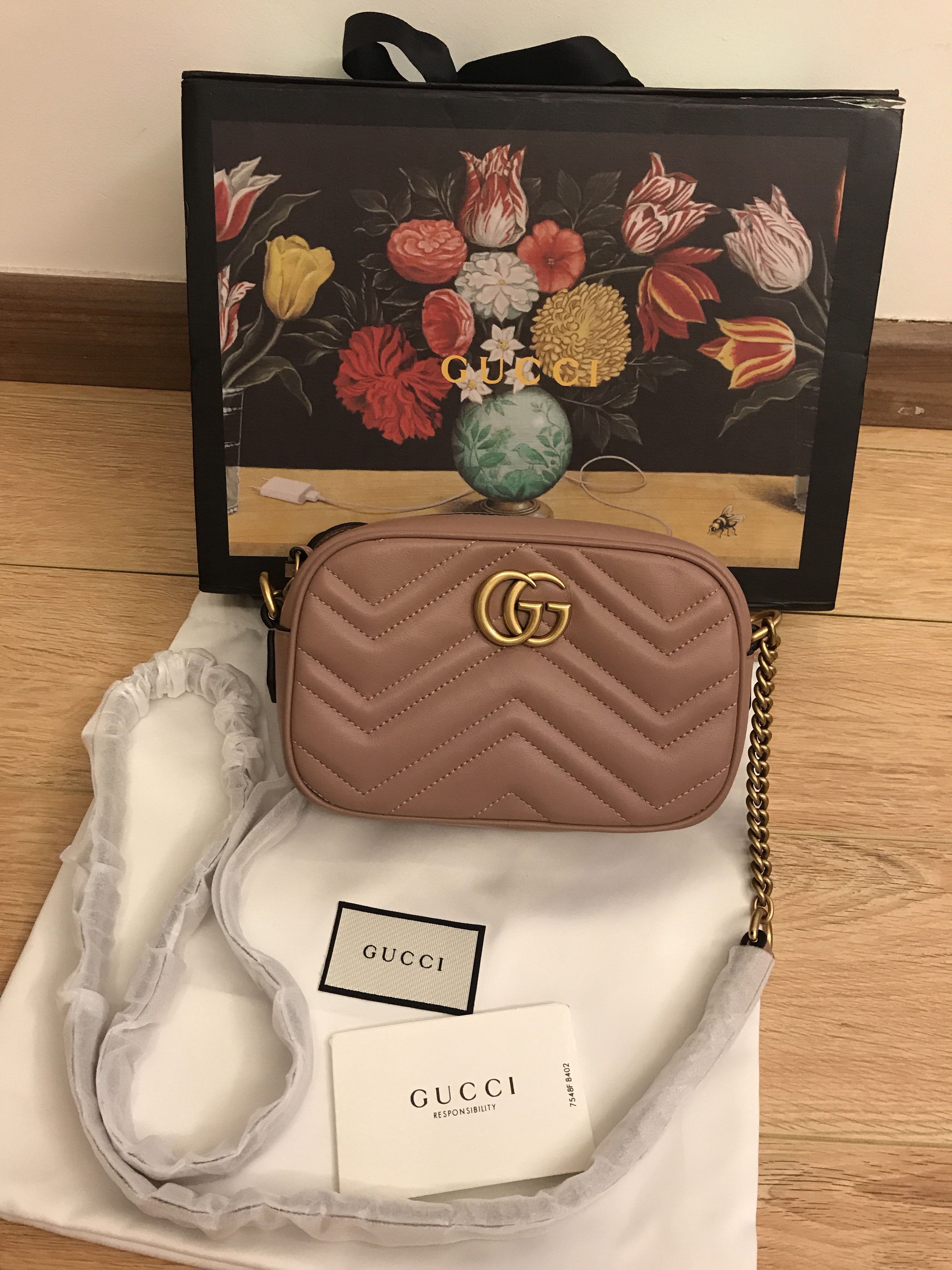 e7173e2dee67f4 💯 Authentic Gucci gg marmont matelasse mini Crossbody For Let Go!!,  Luxury, Bags & Wallets on Carousell