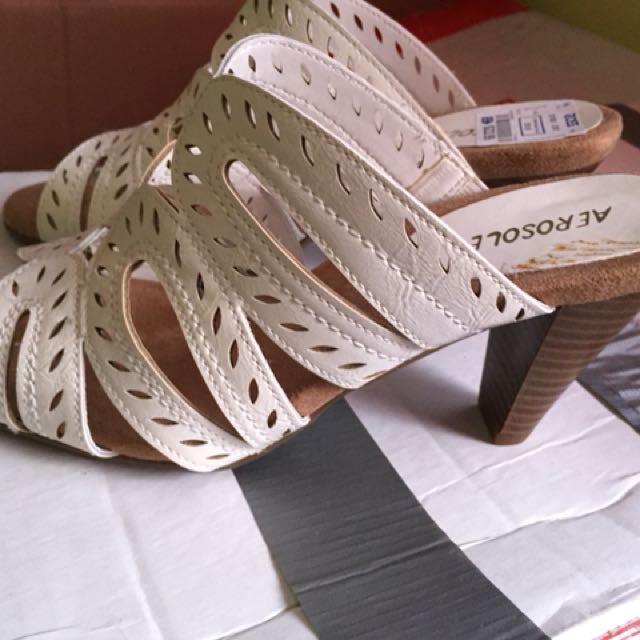 50d4ed167b94 Aerosoles White Sandals with Heels