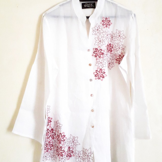 Le Fate Embroidered Kaftan Blouse