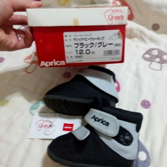 Aprica學布鞋