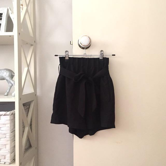 Black Tie Up Bow Shorts
