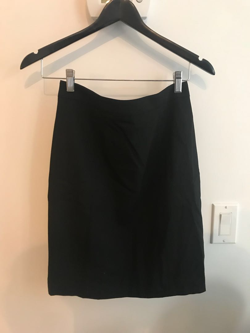 Club Monaco pencil Skirt BRAND NEW. Tags attached. Size 2