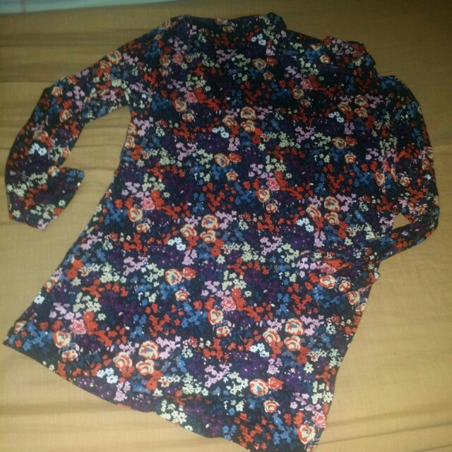 Forever21 flowerettes top