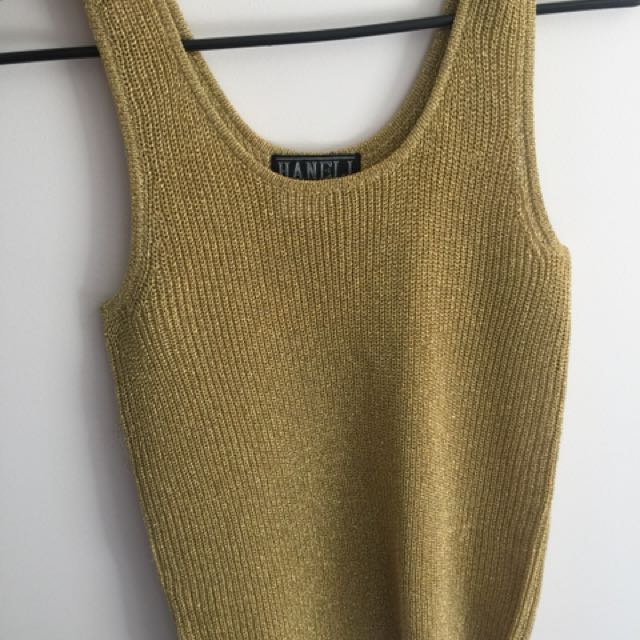 Gold top size small