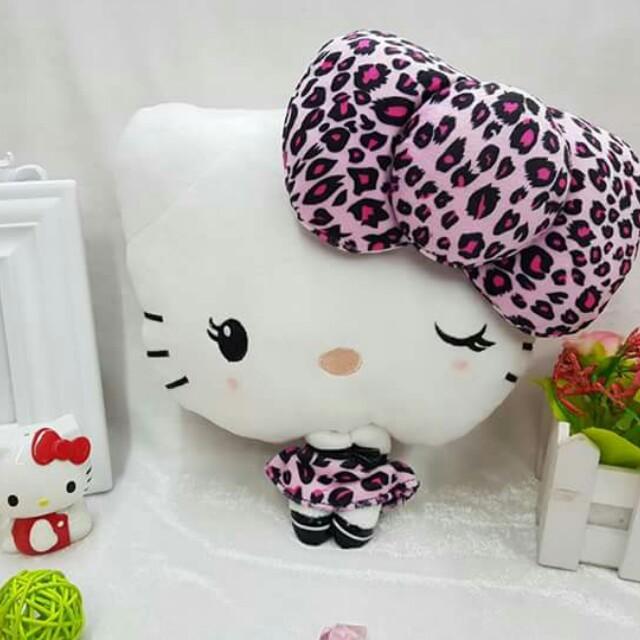 Hello kitty headrest
