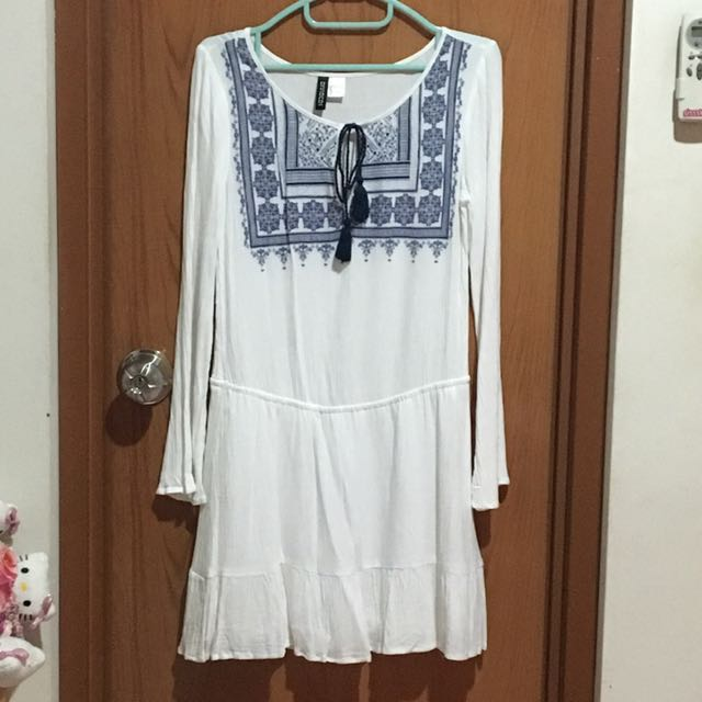 H&M Bell-sleeves Dress