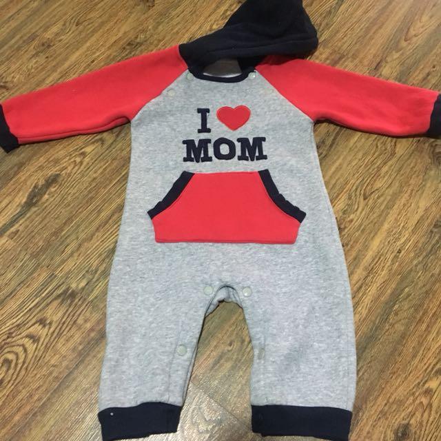 I love mom onesies