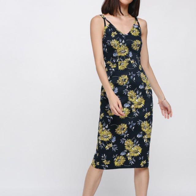 0ea401c7401c LB Love Bonito Favira Floral Midi Dress S, Women's Fashion, Clothes ...