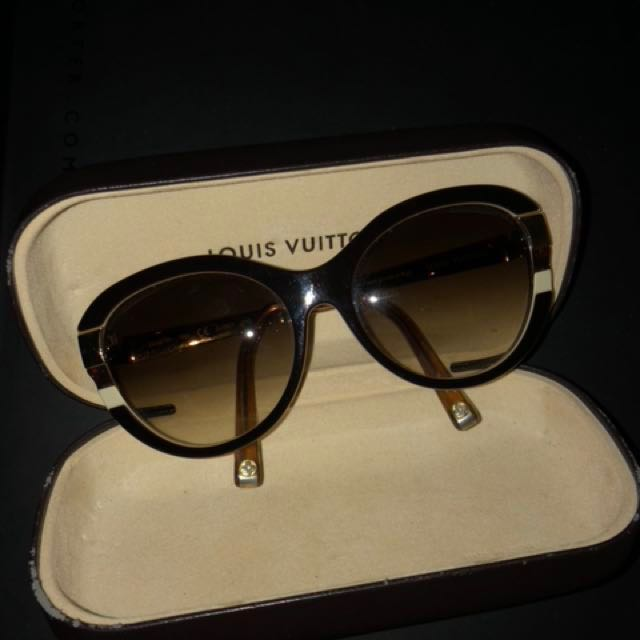284b65dfc8 Louis Vuitton Sunglasses Z0487W 9AV