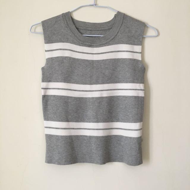Lulu's 灰色無袖針織上衣